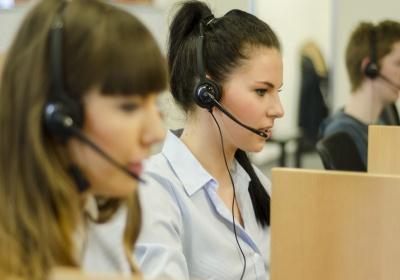 Количество операторов в контакт-центрах России продолжает увеличиваться